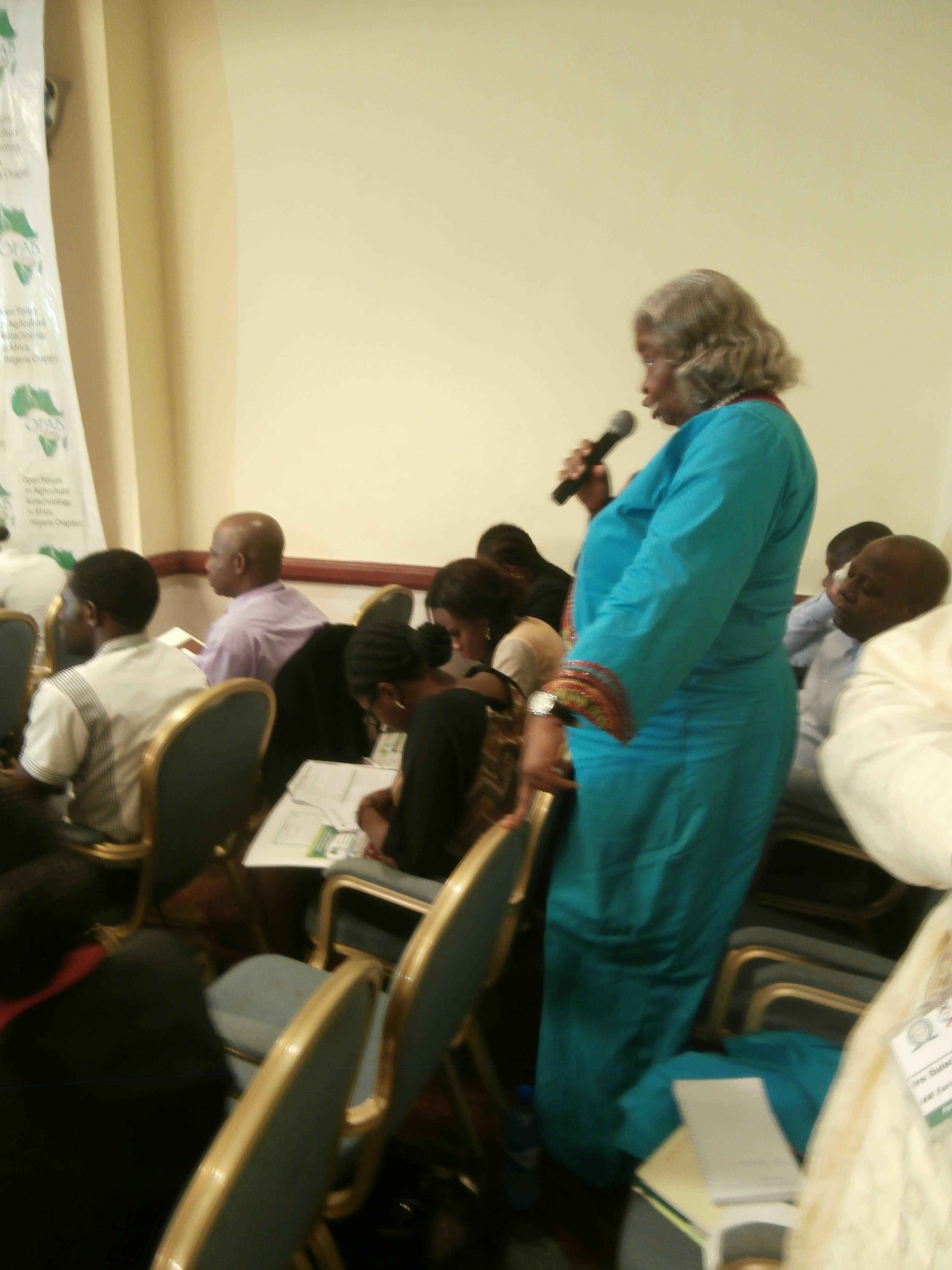Agbaebgu, participating during the question and answer section